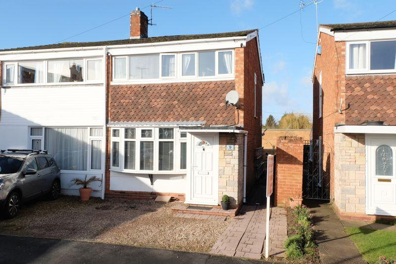 3 Bedrooms Semi Detached House for sale in The Priory, Stourport-On-Severn DY13 8JQ