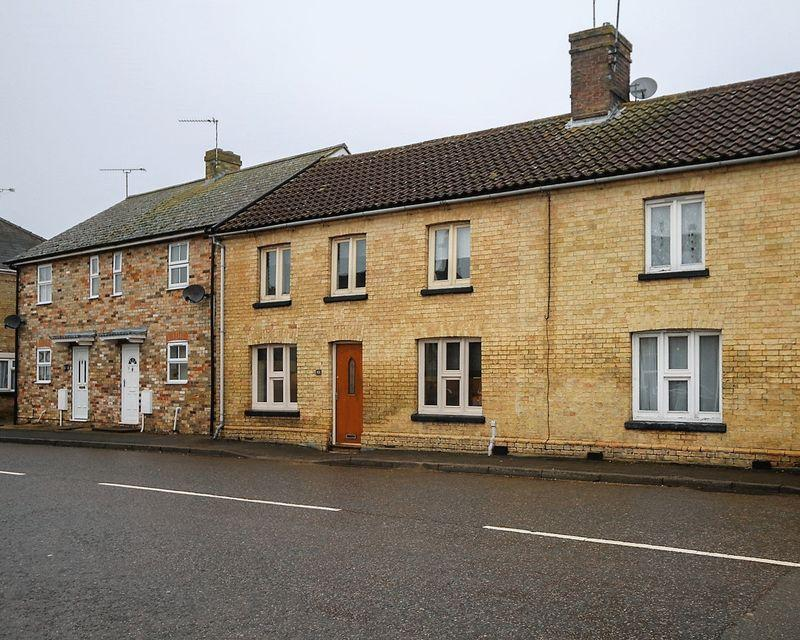 3 Bedrooms Semi Detached House for rent in Station Road, Ely