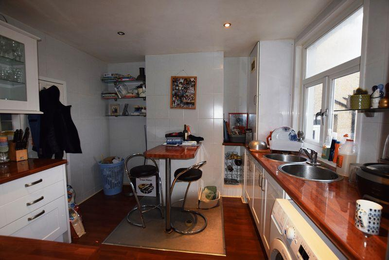2 Bedrooms Terraced House for sale in Majendie Road, Plumstead, SE18 7QB