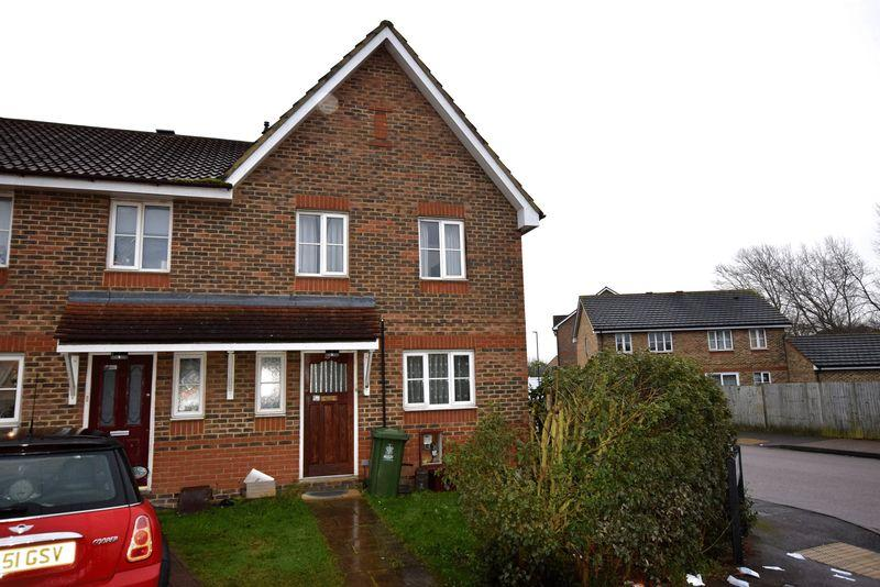 3 Bedrooms Terraced House for sale in Carnoustie Close, North Thamesmead, SE28 8SH