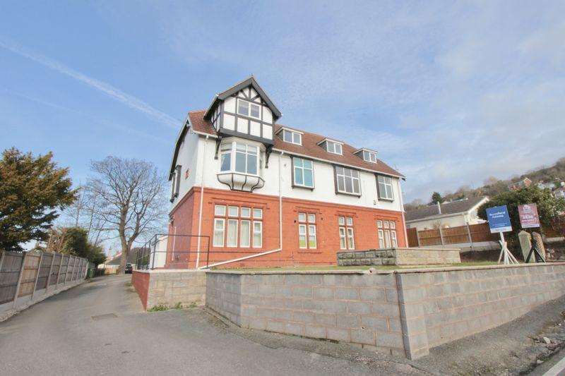 2 Bedrooms Apartment Flat for sale in Fforddlas, Prestatyn