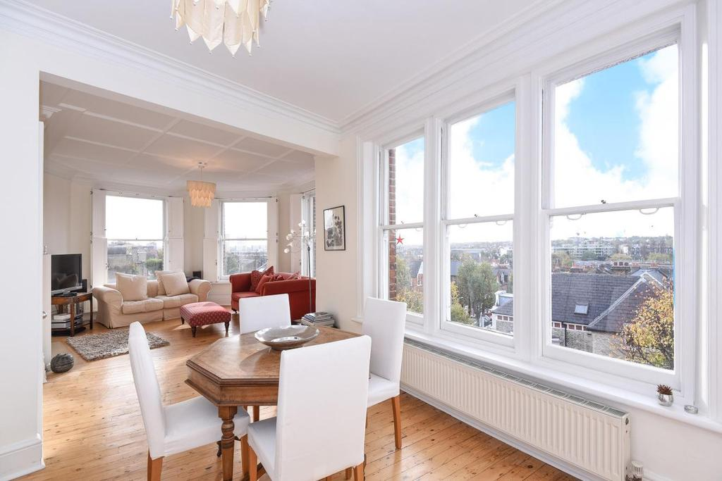 3 Bedrooms Flat for sale in St James Mansions, West Hampstead