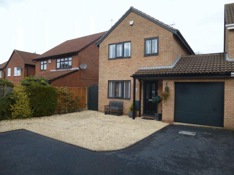 3 Bedrooms House for sale in Clovelly Way, Horeston Grange, Nuneaton