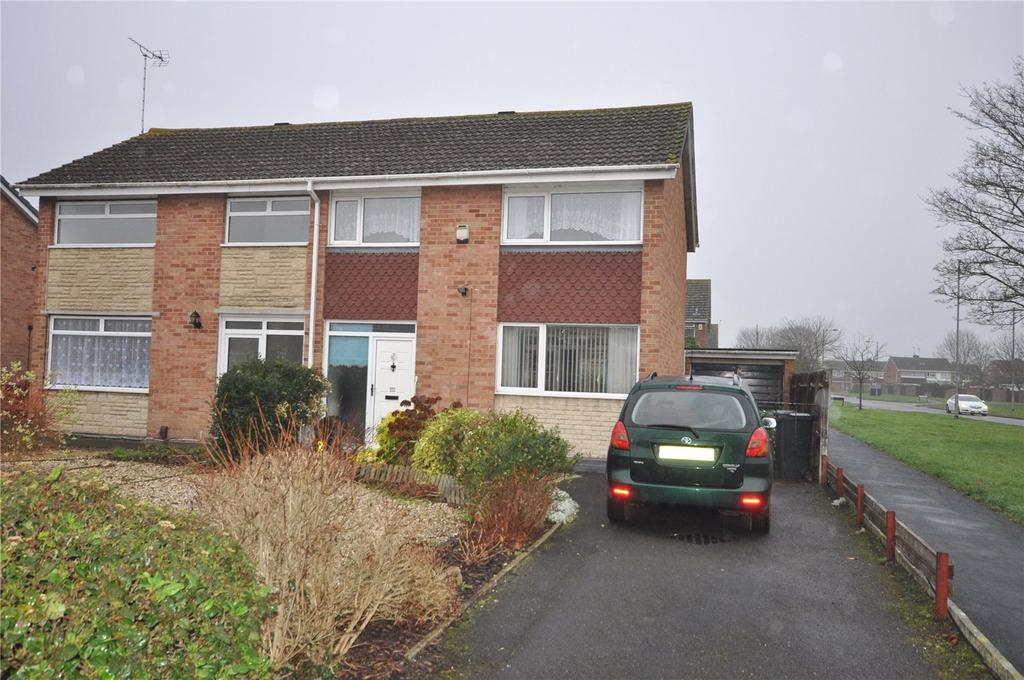 3 Bedrooms Semi Detached House for sale in Foxbridge, Covingham, Swindon, Wiltshire, SN3