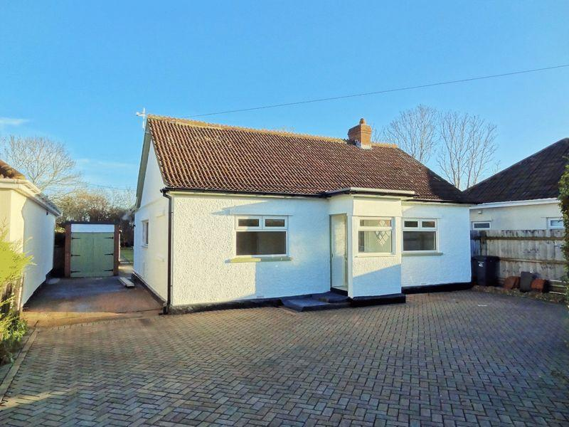 3 Bedrooms Detached Bungalow for sale in Bristol Road, Bridgwater