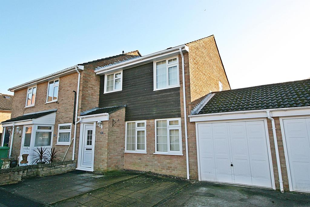 3 Bedrooms Semi Detached House for sale in Shorwell, Netley Abbey, Southampton, SO31 5GE