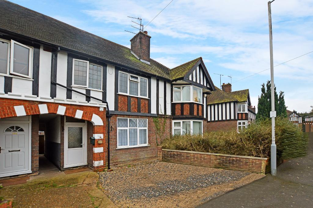 3 Bedrooms Terraced House for sale in Limbury Road, Luton, Bedfordshire, LU3 2PN