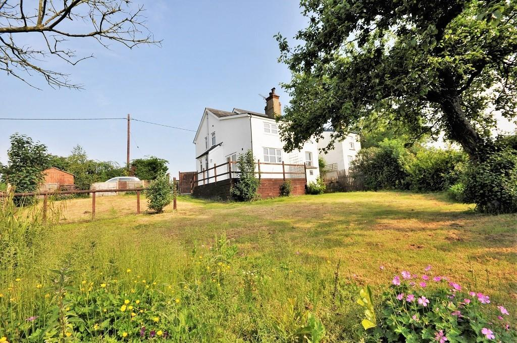 4 Bedrooms Semi Detached House for sale in Blamsters Villas, Duton Hill
