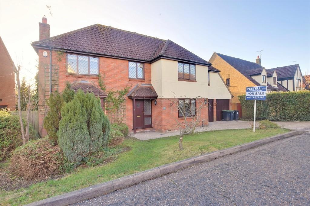 5 Bedrooms Detached House for sale in South View, Dunmow