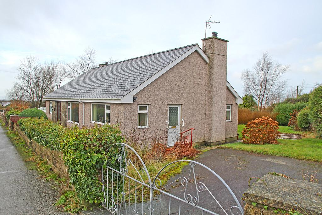 2 Bedrooms Detached Bungalow for sale in Rhostryfan, Caernarfon, North Wales
