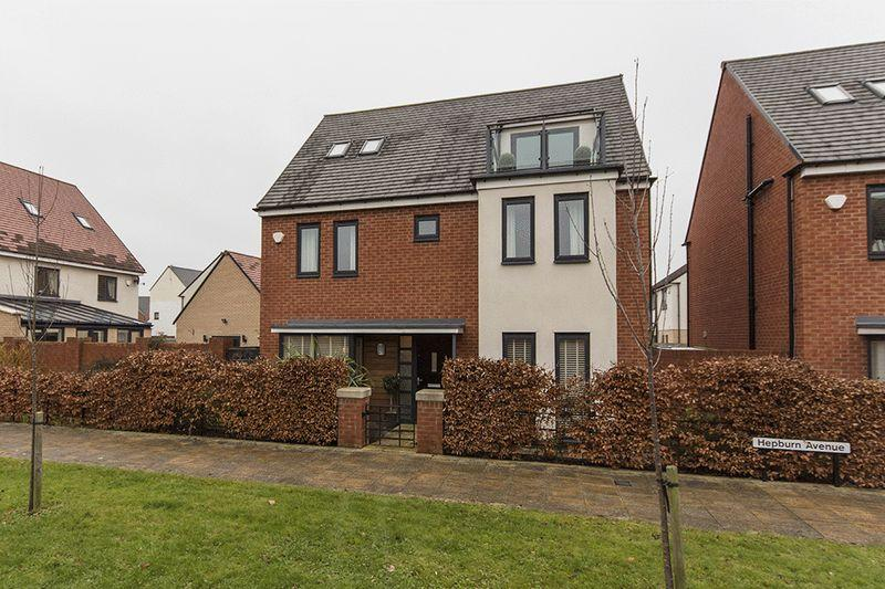 5 Bedrooms Detached House for sale in Hepburn Avenue, Greenside, Newcastle upon Tyne