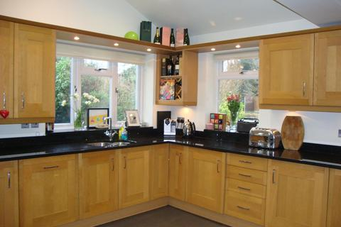 4 bedroom semi-detached house to rent - Wellington Grove, Solihull, West Midlands