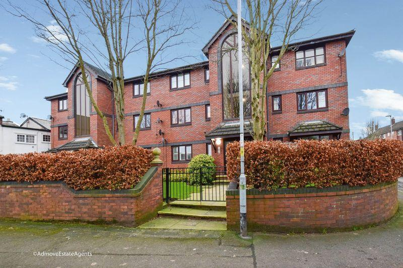 2 Bedrooms Apartment Flat for sale in Fieldways, Star Lane, Lymm