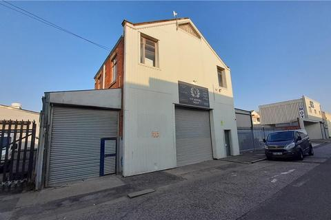 Industrial unit to rent - 95 Gillett Street, Hull, East Riding Of Yorkshire, HU3