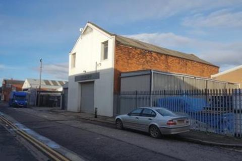 Industrial unit to rent - 95 Gillett Street, Hull, East Yorkshire, HU3