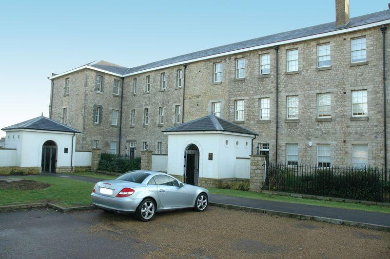 3 Bedrooms Apartment Flat for sale in St Andrews Park, Tarragon Road