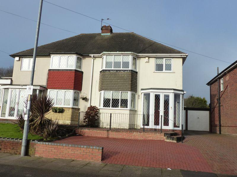 3 Bedrooms Semi Detached House for sale in Frampton Way, Great Barr