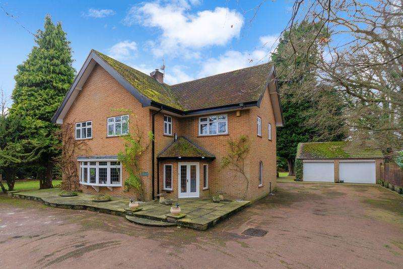 3 Bedrooms Detached House for sale in Kyebe, 15 Horncastle Road, Woodhall Spa