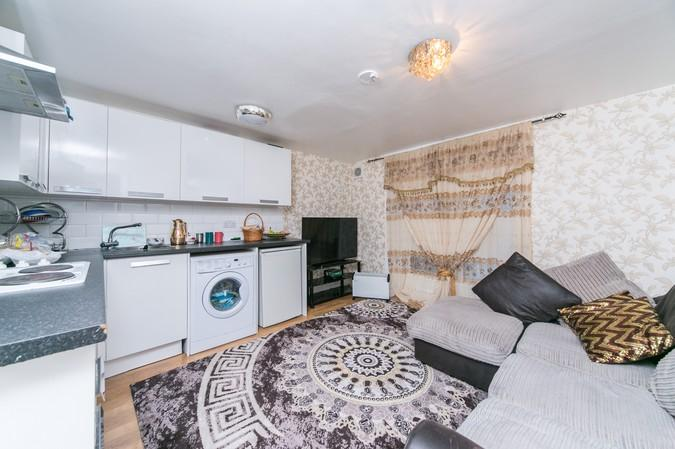 1 Bedroom Flat for sale in Fernhead Road, Maida Vale, London