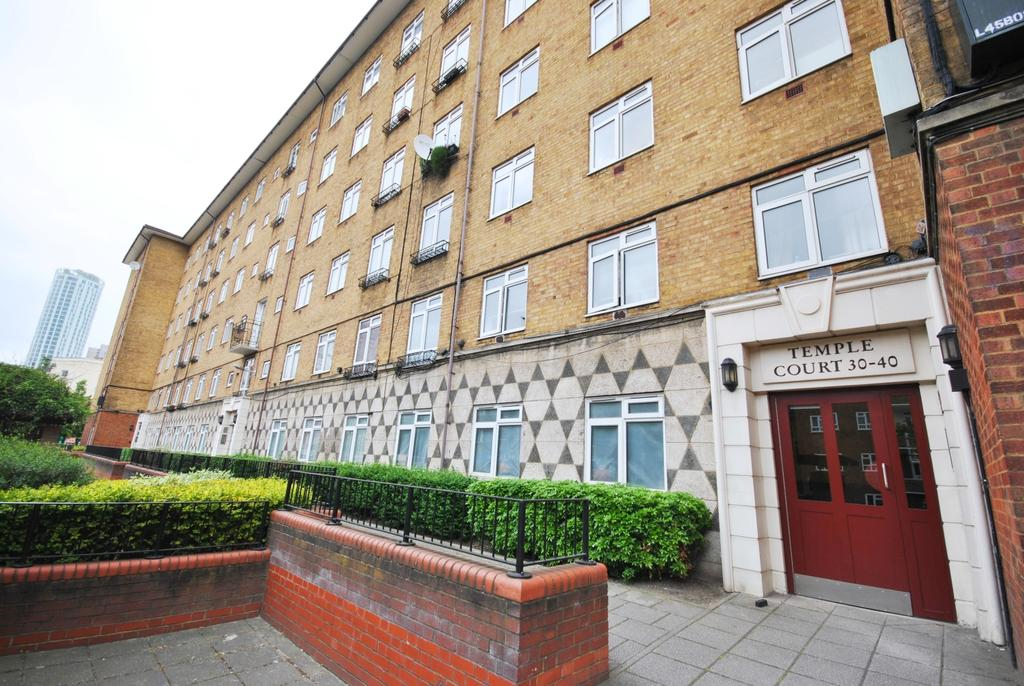 2 Bedrooms Flat for sale in Thorncroft Street Lansdowne Green SW8