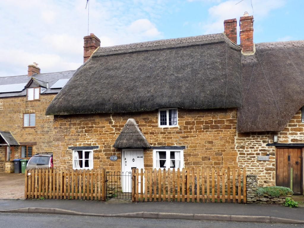 2 Bedrooms Cottage House for rent in Shipston Road, Upper Tysoe