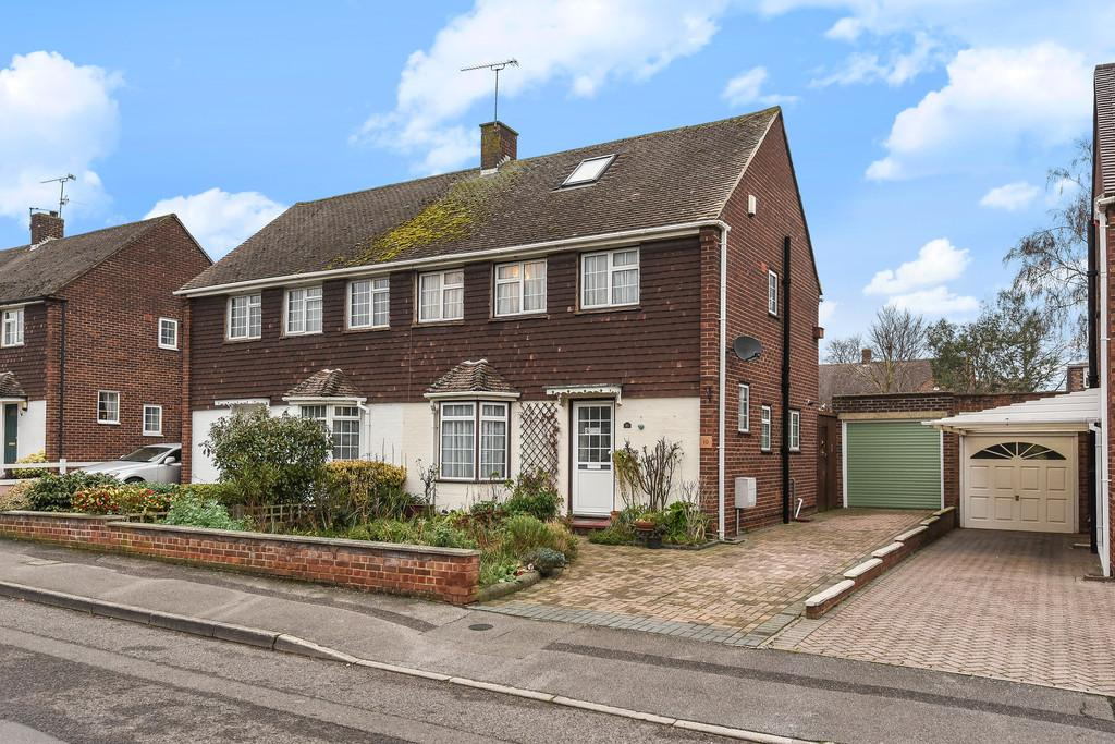 3 Bedrooms Semi Detached House for sale in The Avenue, Aylesford