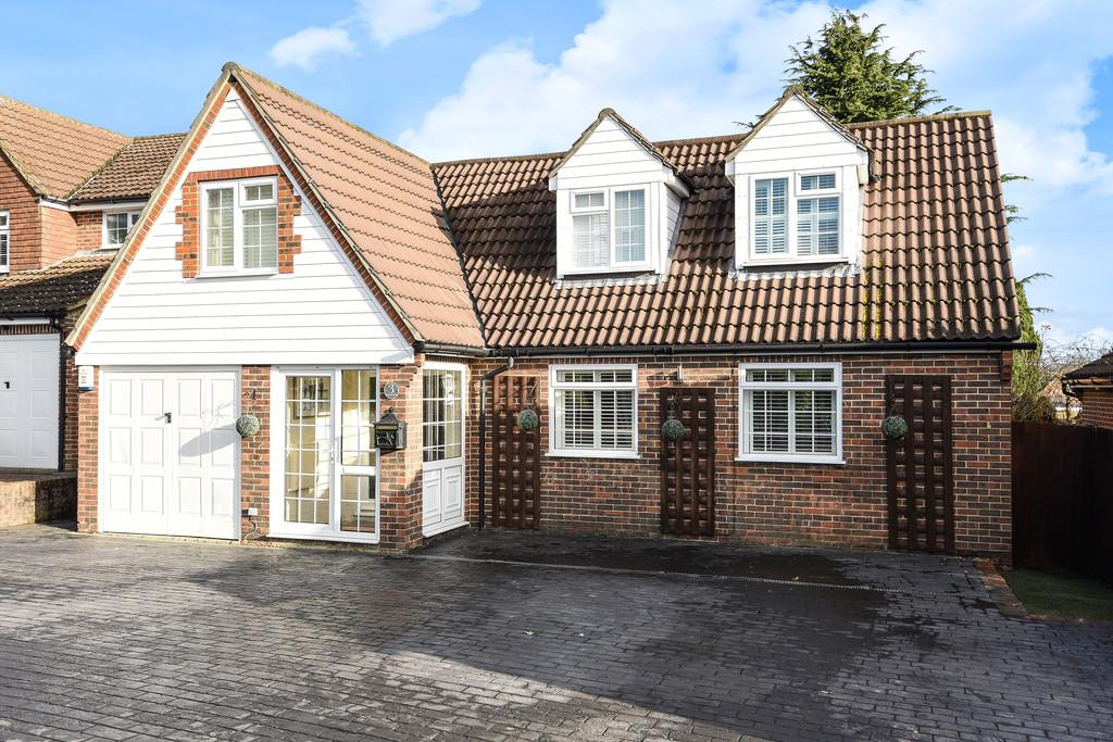 5 Bedrooms Detached House for sale in Wheatfield, Leybourne