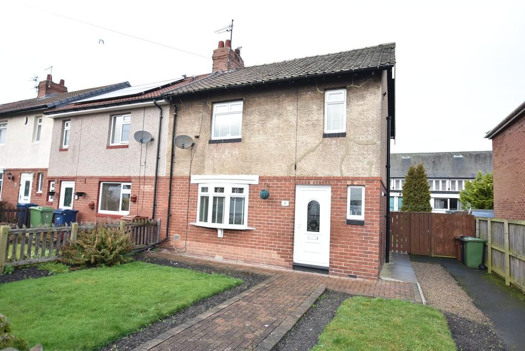 3 Bedrooms Semi Detached House for sale in South View, Fulwell