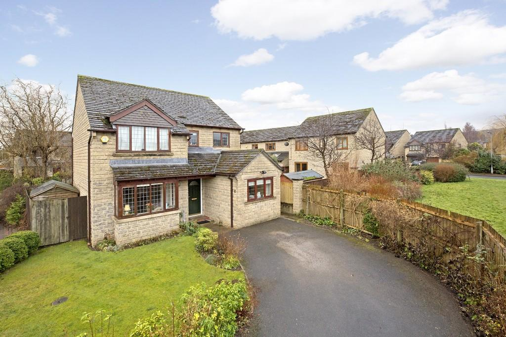 4 Bedrooms Detached House for sale in Greystone Close, Burley in Wharfedale