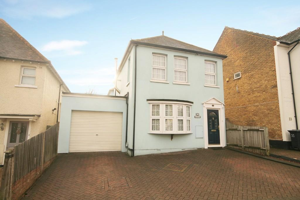 4 Bedrooms Detached House for sale in Hertford Road, Hoddesdon