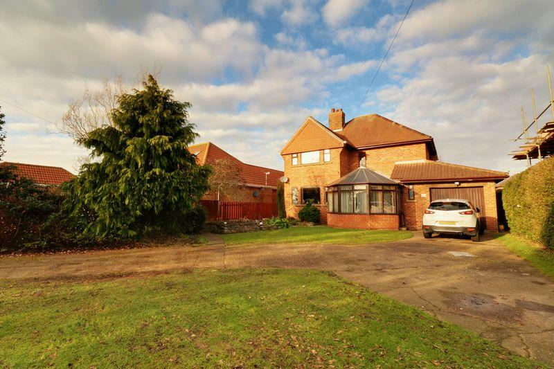4 Bedrooms Detached House for sale in Kings Avenue, Brigg