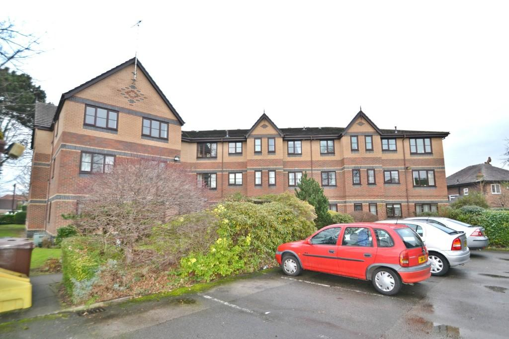 2 Bedrooms Apartment Flat for sale in Gatley Road, Cheadle