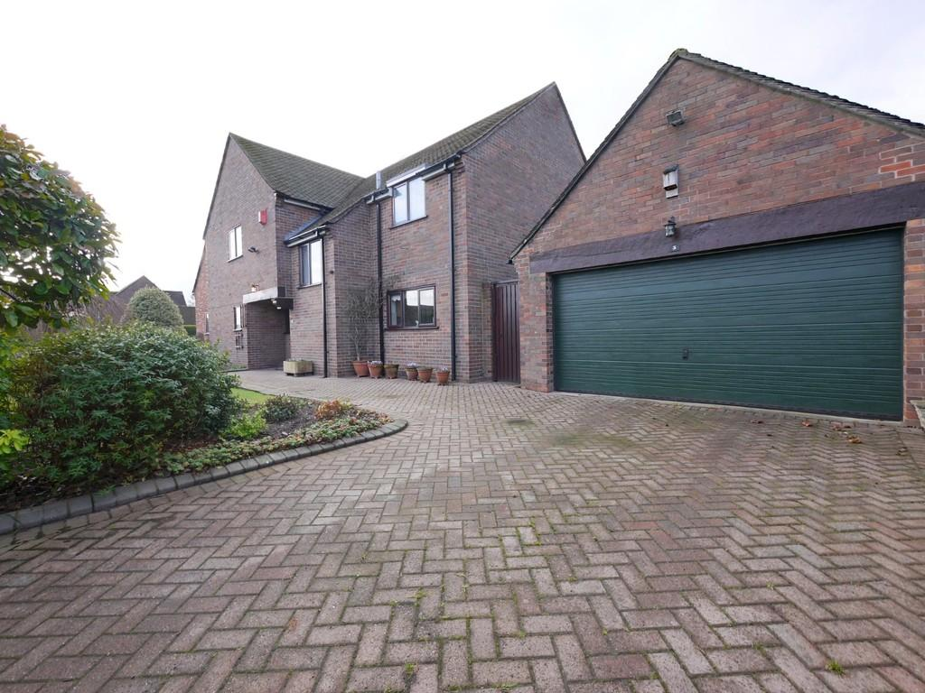 4 Bedrooms Detached House for sale in 3 Covert Rise, Tattenhall, CH3 9HA