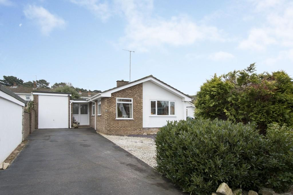 3 Bedrooms Detached Bungalow for sale in Conifer Avenue, Lower Parkstone