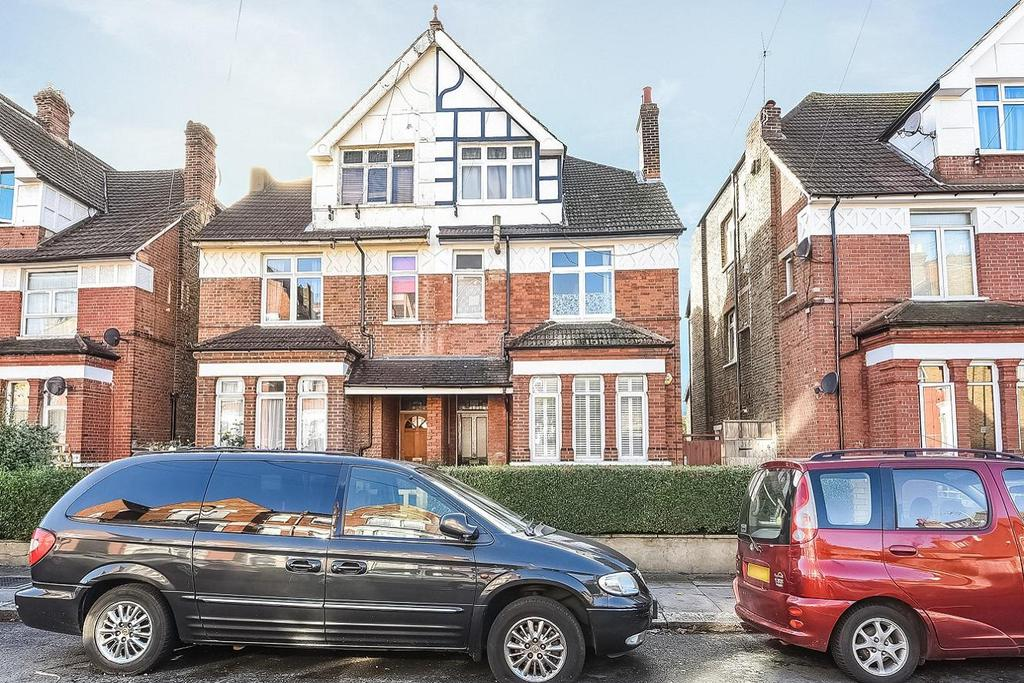 2 Bedrooms Flat for sale in Westwell Road, Streatham