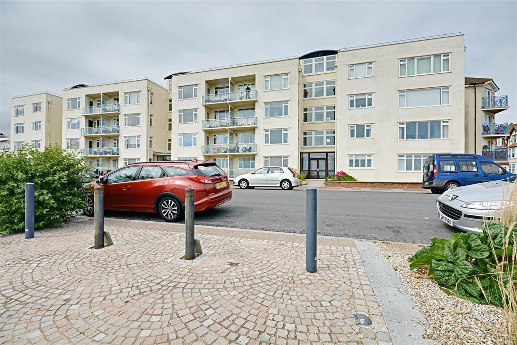 2 Bedrooms Flat for sale in West Parade, Bexhill-On-Sea