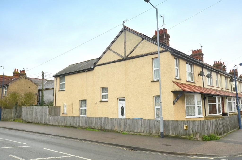 5 Bedrooms End Of Terrace House for sale in Langer Road, Felixstowe IP11 2BT