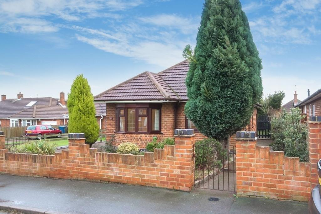 2 Bedrooms Detached Bungalow for sale in Oldershaw Road, East Leake