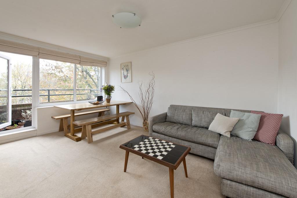 1 Bedroom Flat for sale in Ollgar Close, London, W12