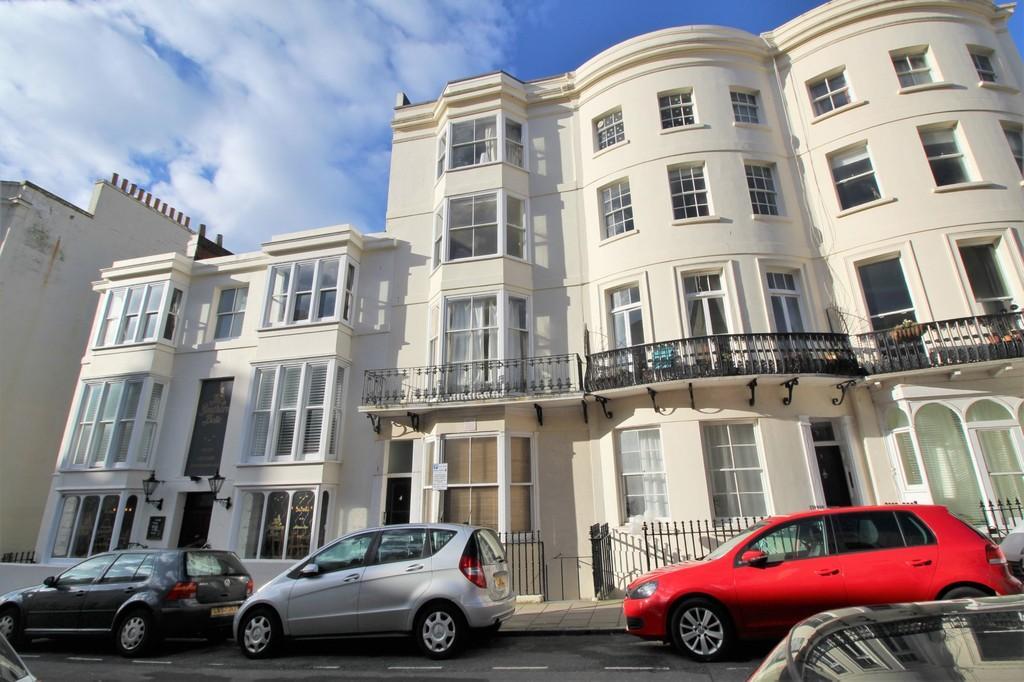 2 Bedrooms Flat for sale in Waterloo Street, Hove