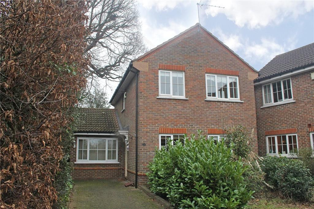 3 Bedrooms Detached House for sale in Longcroft Green, Welwyn Garden City, Hertfordshire