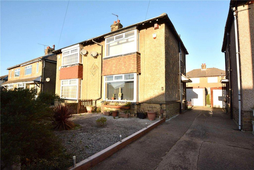 2 Bedrooms Semi Detached House for sale in Moorland Drive, Pudsey, West Yorkshire