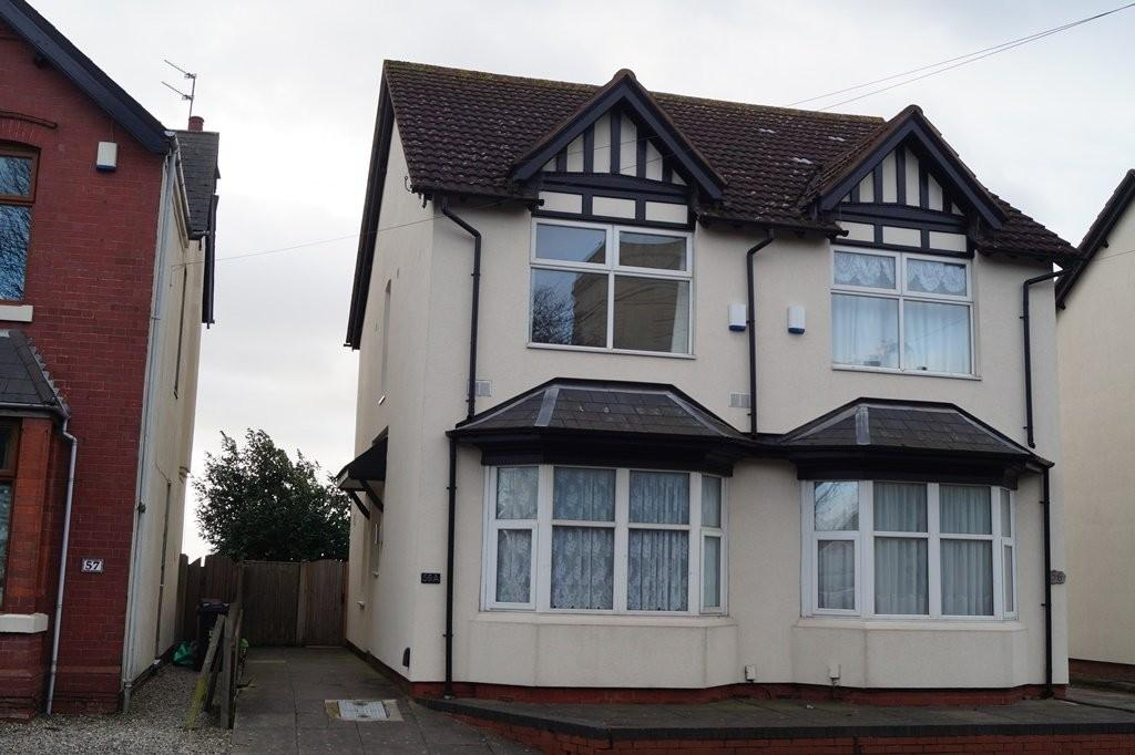 2 Bedrooms Semi Detached House for sale in Highland Road, Dudley