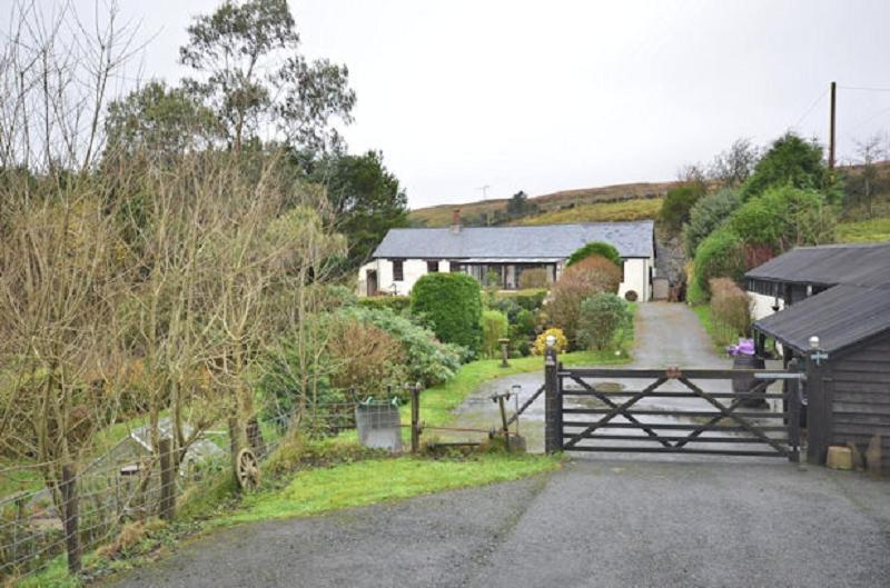 2 Bedrooms Land Commercial for sale in Pantygorlan , Ystumtuen, Aberystwyth, Ceredigion. SY23 3AE