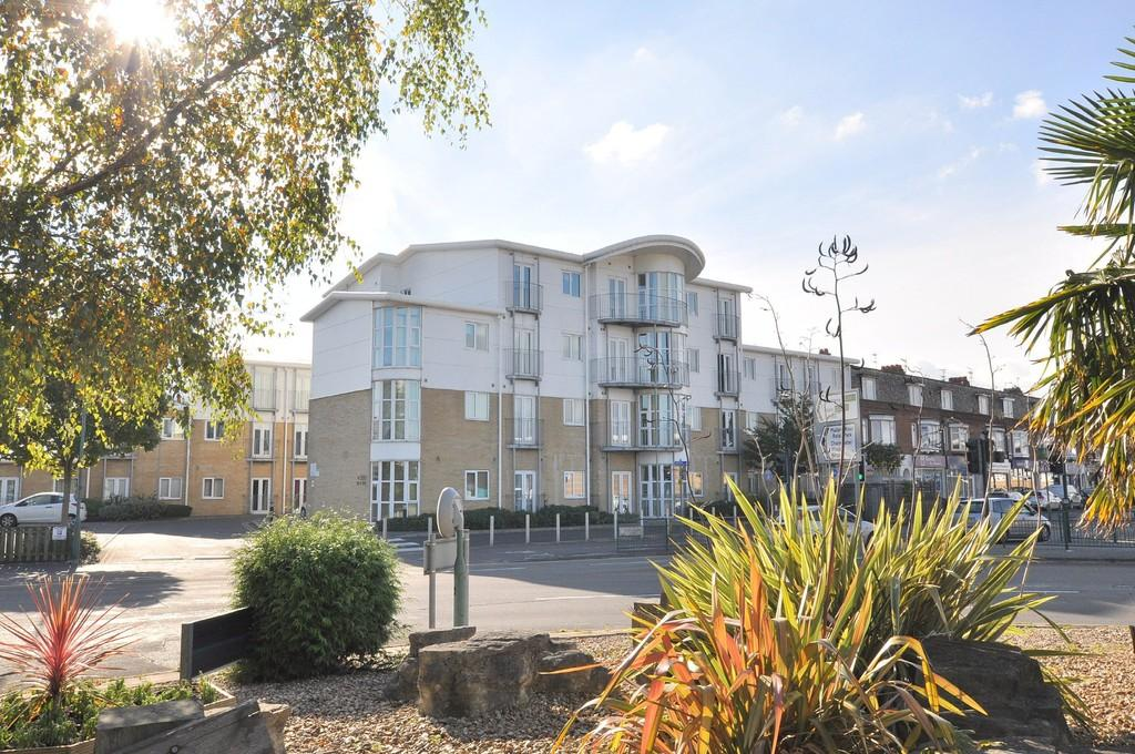 1 Bedroom Apartment Flat for sale in Point 500, Castle Lane West, Bournemouth