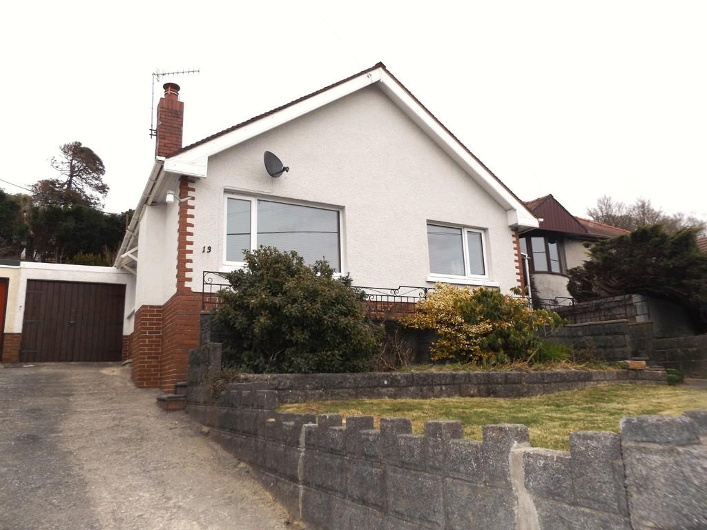 3 Bedrooms Detached Bungalow for sale in Llethri Road, Llanelli