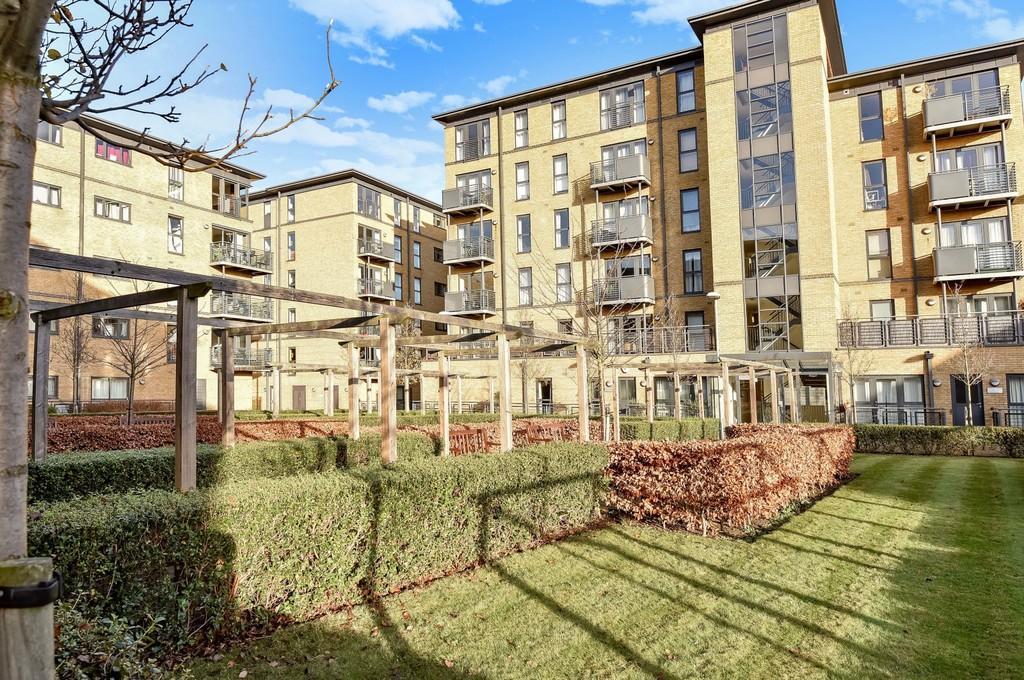 1 Bedroom Apartment Flat for sale in Sandover House, Spa Road, SE16