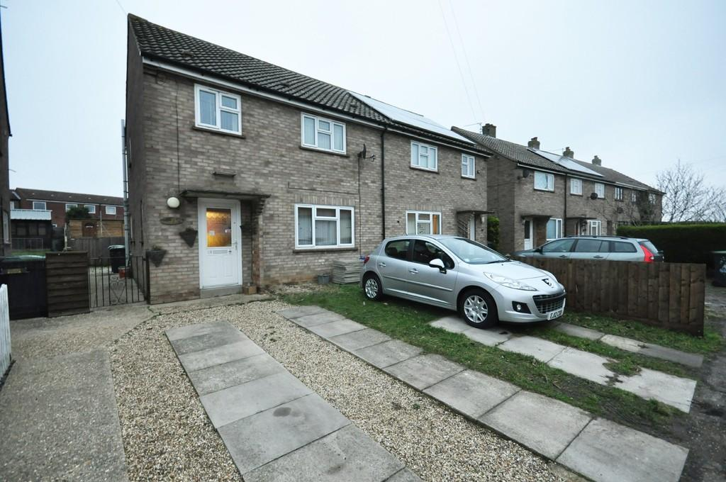 3 Bedrooms Semi Detached House for sale in Ash Drive, Eye