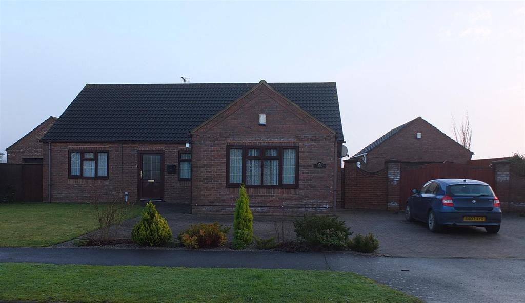 4 Bedrooms Detached Bungalow for sale in Stonegate, Gedney