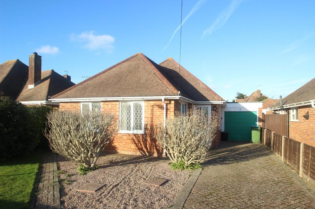 3 Bedrooms Detached Bungalow for sale in Merton Avenue, Rustington